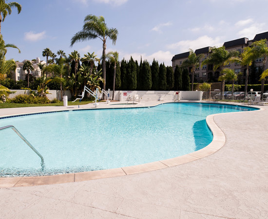 The Pool at the Hilton Irvine/Orange County Airport
