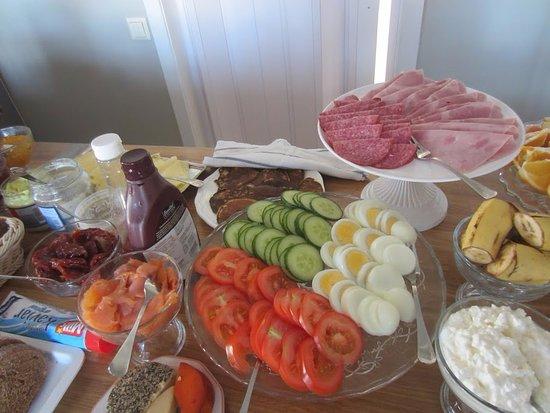 Borgarnes, Island: Our breakfast buffet