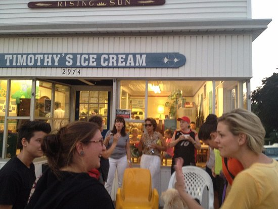 Bridgeport, CT: My friends and I enjoying ice cream at Timothy's in Black Rock, CT