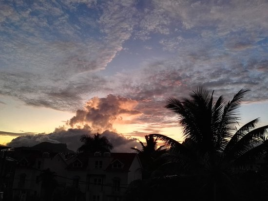Alphavilla: tramonto dall hotel