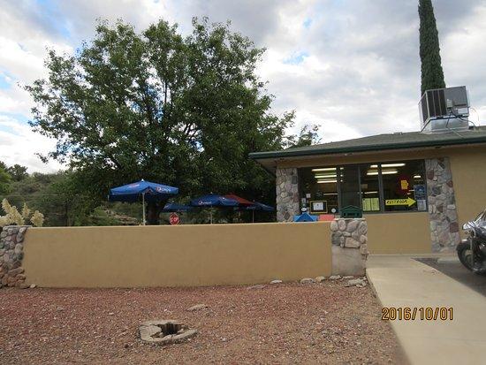 Cottonwood, Аризона: Outside or inside seating