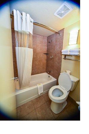 Tucker, Джорджия: Bathroom