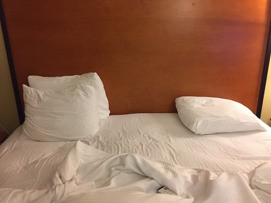 Best Western Plus Cascade Inn & Suites: Tiny pillows