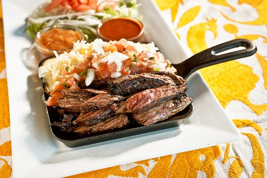 Roslyn, NY: Iron Skillet Tacos de Carne Asada
