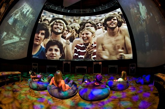 Bethel, นิวยอร์ก: The Festival Experience - See, hear, and feel the sixties, all from a beanbag chair!