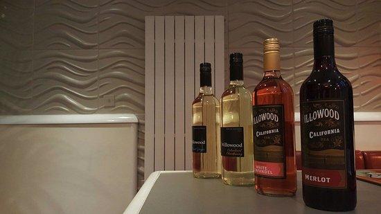Cottingham, UK: House wines
