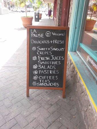 La Pause Café : Außentafel