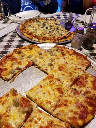Rockaway Beach, Миссури: Pizza-Pepperoni and Supreme
