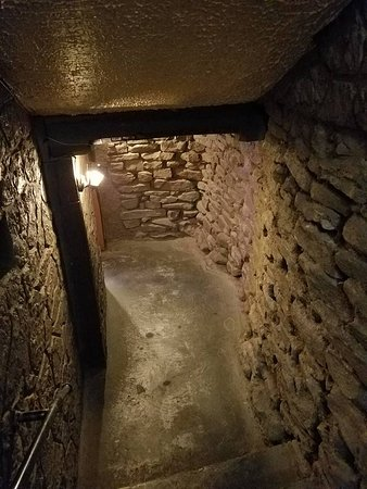 Rockaway Beach, MO: The cellar stairs from the front entrance