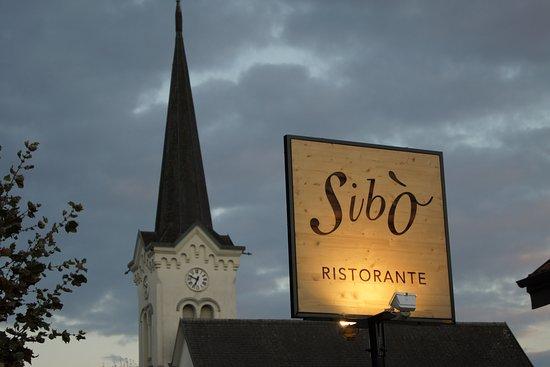Vaud, Swiss: Siamo qua e vi aspettiamo...