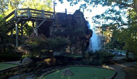 Westford, MA: Beautiful Mini Golf with Waterfall