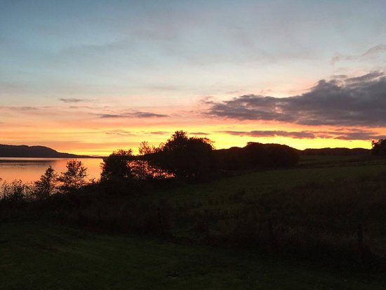 Appin, UK: Sunset by the Loch