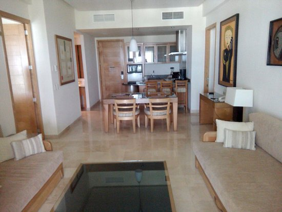 Sala/Comedor/Cocineta Master Suite - Picture of The Grand Mayan at ...