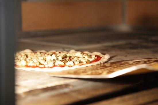Pizza Vino : Pizza au four