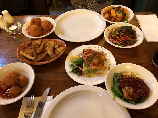 Thornbury, UK: Selection of tapas from the Mezze menu
