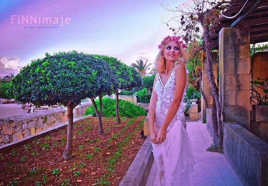 Sannat, มอลตา: FINNimaje bridal fashion by JASON J FINNANE for Wedding Journal Magazine featuring Sarah Zerafa.