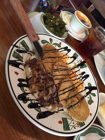 Clyde, Karolina Północna: Blue Rooster Southern Grill