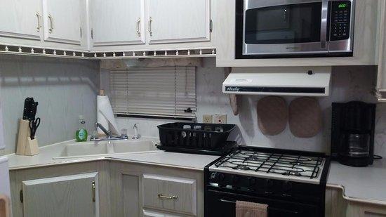 Sebring, FL: Unit #40 - Kitchen