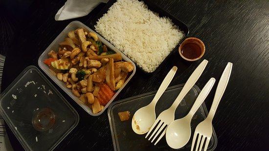 Thai Wok Stugan: Tasty cashew nut chicken