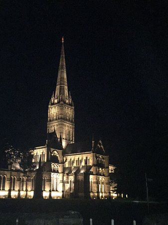 Cathedral View: Directly across the road - Salisbury Cathedral