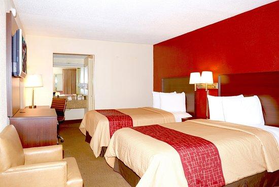 Suwanee, GA: Double Bed