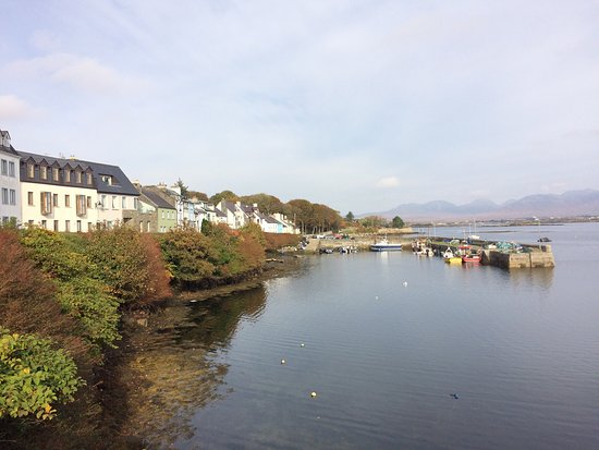 Roundstone is a quaint little fishing village on the Atlantic Way coast road.
