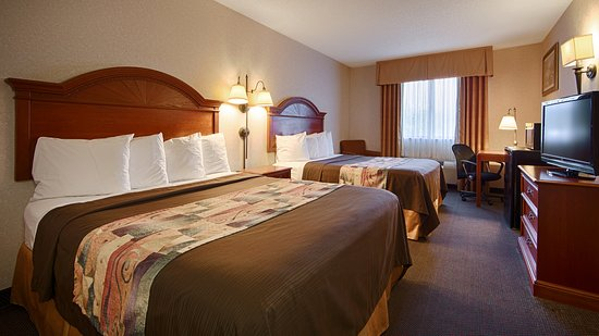 Grove City, PA: 2 Queen Beds