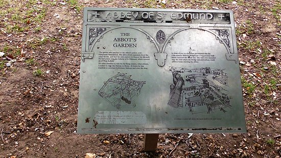 Bury St. Edmunds, UK : One of the descriptive tablets at the ruins...