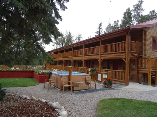 Attrayant Pocahontas Cabins: Cabin Block By Communal Pool And Hot Tub