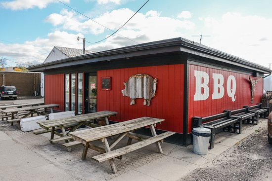 Westside Barbecue: From near the corner of Madison and Main
