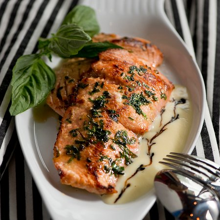 Duke's Chowder House : Duke's Silky Sensual Pan Seared Wild Alaska Salmon