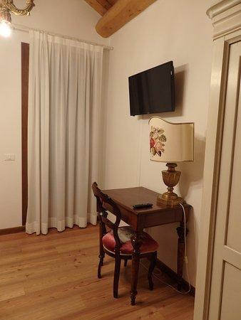 Baone, Italie : Schreibtisch