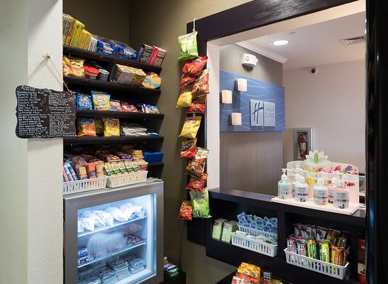 Holiday Inn Express Hotel & Suites Andover/East Wichita: Sweet Shop