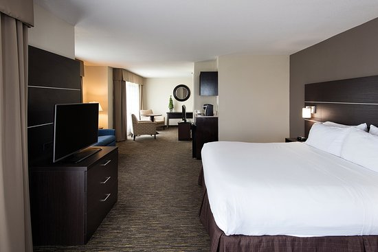 Holiday Inn Express Hotel & Suites Andover/East Wichita: Executive King Suite