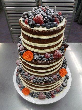 Courtenay, Canadá: Naked Wedding Cake