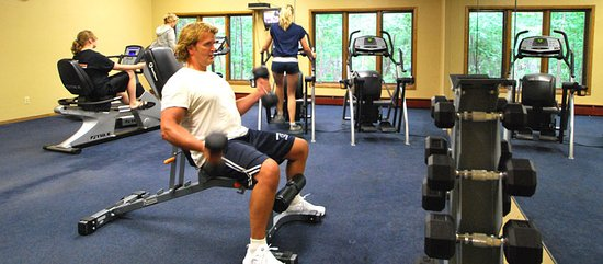 Egg Harbor, Ουισκόνσιν: The fitness center at the Landmark Resort.