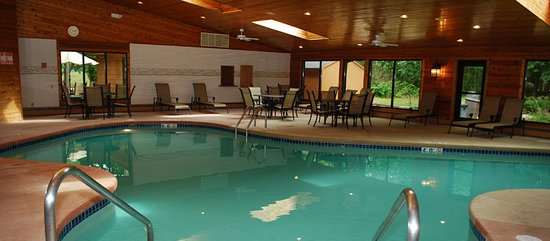 Egg Harbor, WI: The indoor pool is open 24/7.