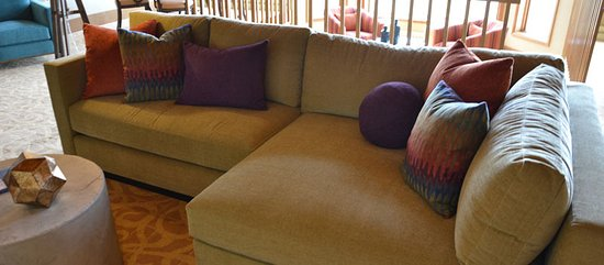 Egg Harbor, WI: Comfy seating throughout the resort's many lobbies spaces.