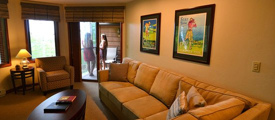 Egg Harbor, WI: Each suite has a patio or balcony - to access from the living room.
