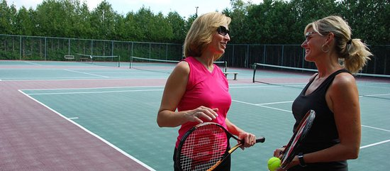 Egg Harbor, WI: Tennis equipment is available for check-out at the Front Desk.