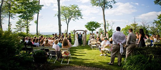 Egg Harbor, WI: The Landmark hosts 35-40 weddings a year.