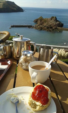 Hope Cove Beach: Cream tea with a view