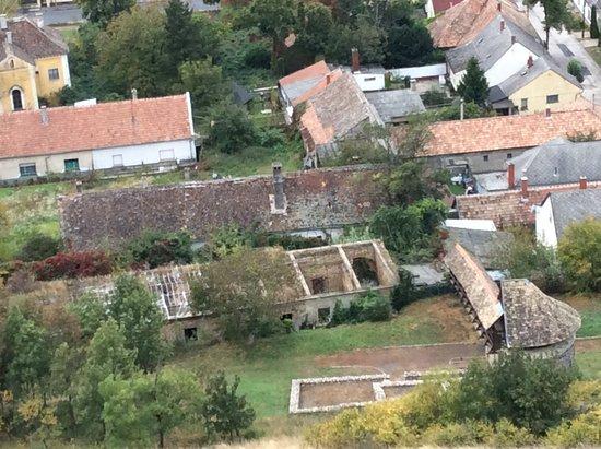 Sumeg, Hongarije: View below