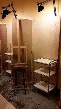Midlothian, Βιρτζίνια: Painting work station.