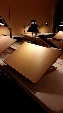 Midlothian, Βιρτζίνια: Drawing tables with lights.