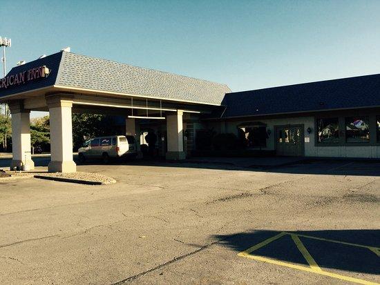 North Kansas City, MO: Front Lobby Entrance