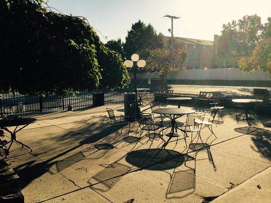North Kansas City, MO: Patio/Pool Seating Area