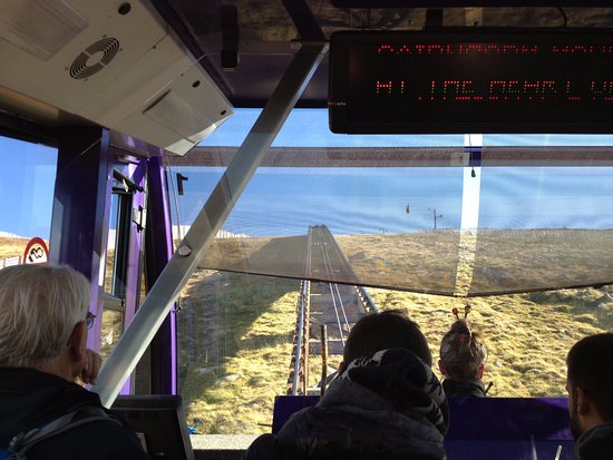 Aviemore, UK: Inside a railcar up towards the summit