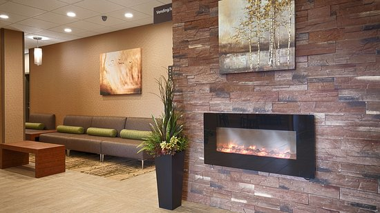 Fergus, Kanada: Seating area in the Lobby