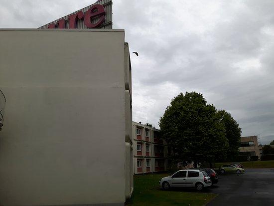 Mercure Reims Parc des Expositions: Parking arrière